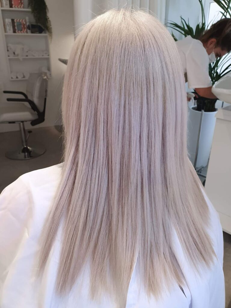 White Hair. Rosana Calvo Haircare Salon.